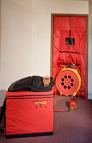 аэродверь Retrotec Q4E для тепловизионного обследования и диагностики